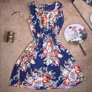 Dresses & Skirts - 💐Spring Dress💐